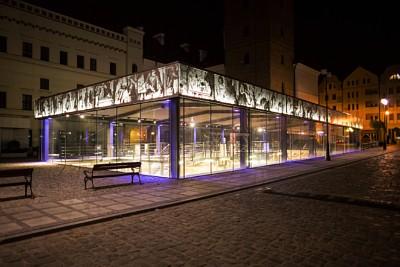 Perforerte plater gir karakter til en moderne fasade