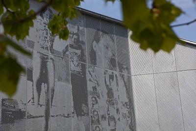 Fachada perforada en escuela en Skansevejens