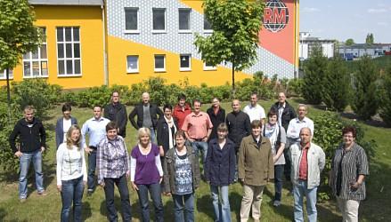 Het Duitse RMIG team voor het kantoorgebouw in Raguhn, Duitsland