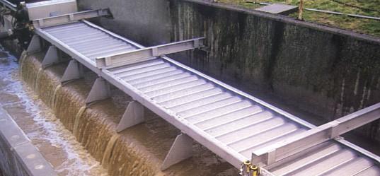 Tôles perforées pour le traitement des eaux usées